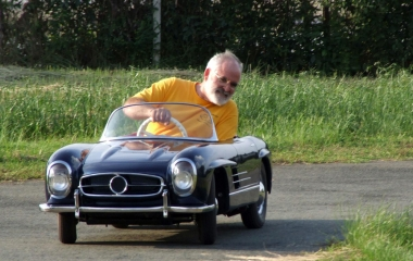 HotSpot Pictures Iconic Sports Cars For Rugrat Racers - Iconic sports cars
