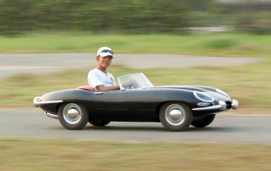 HotSpot Media Iconic Sports Cars For Rugrat Racers - Iconic sports cars